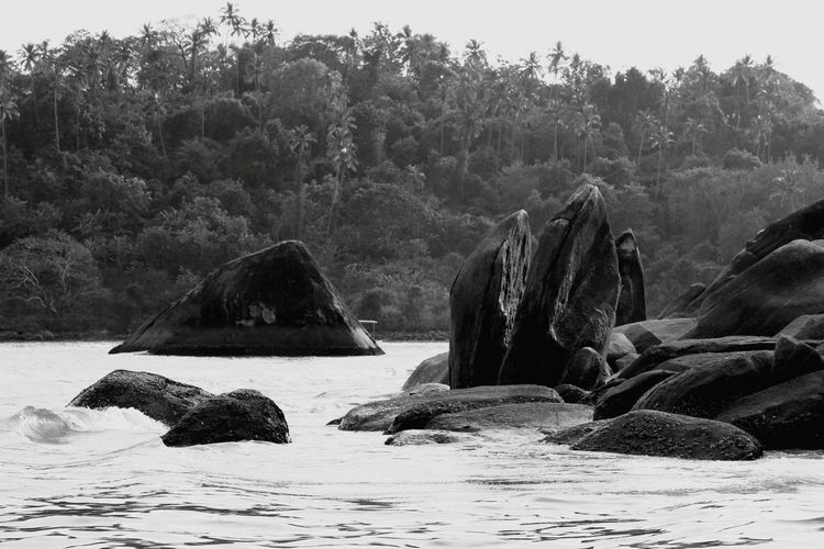 Black & White Stone Landscape Nature Sea