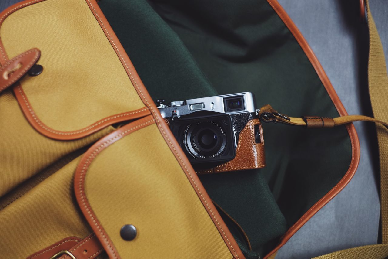 Vintage camera style Fashion Camera - photographic equipment camera bag Camera billingham carmera bag fujifilm EyeEm Best Shots Lieblingsteil