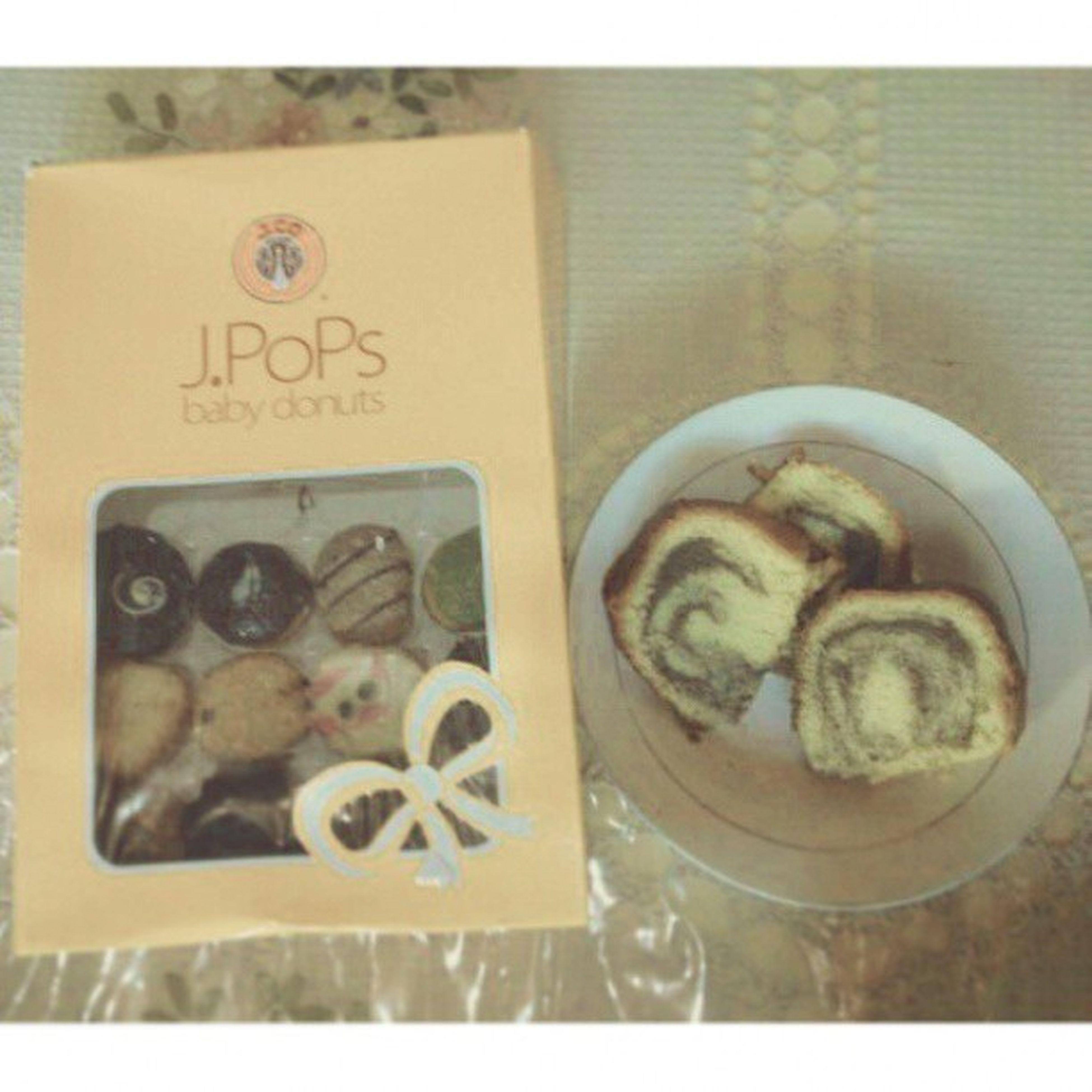 J.Co vs B.Olu Aceh Meulaboh Leuhan Traditional Cake