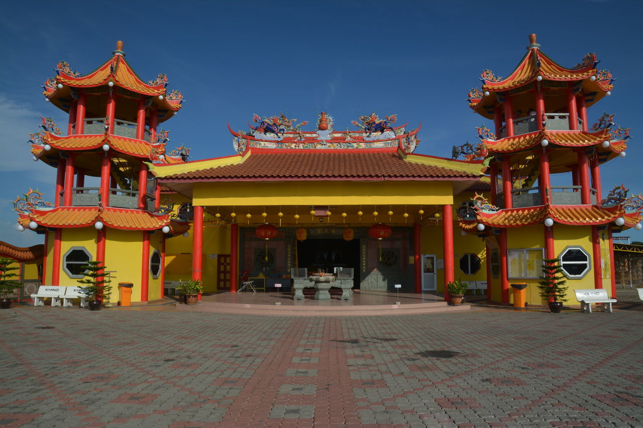 Scene which are typical for any chinese village in Malaysia, the villager build temple to pray to relevant deities in hope of bountiful harvest or catch Buddhist Confusious Fishing Village Sekinchan Sekinchan Village Sekinchan, Malaysia Temple Temple In Chinese Village In Mala Village Plantation