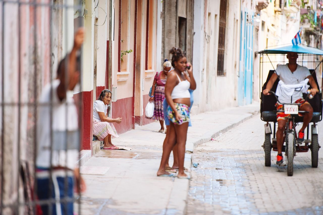 The streetlife in Vuba is amazing, you have to love all those happy people in the streets... Street City City Life Eye4photography  Streetphotography Street Photography Street Life Cuba Cuba Collection Full Length Outdoors Building Exterior EyeEm Best Shots EyeEm Best Shots - People + Portrait EyeEm OpenEdit Photooftheday Photography EyeEmBestPics EyeEm Gallery Nikon City Life Photo Streetphoto_color Woman