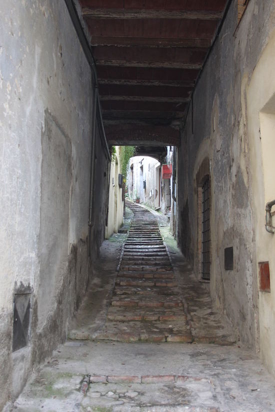 Alley Building Corridor Day Italy Lifestyles Lugnano In Teverina Narrow The Way Forward Umbria