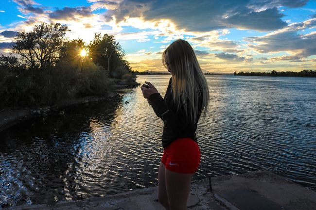 Internet Addiction Colombia River Sunset