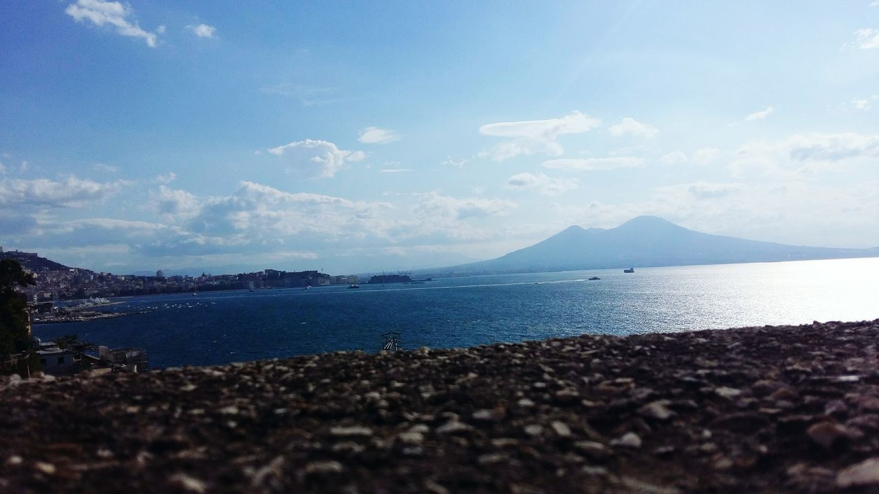 Napoli. Il Vesuvio 🏔 Napoliphotoproject Napoli ❤ Vesuvio Vesuviocoast Sea Panorama Panoramic Photography Sky And Clouds Photography Travel Destinations Beach Mountain Nature Day Tranquility Beauty In Nature EyeEm Best Shots Nature_perfection Eyemphotography EyeEm Best Edits Eyem Best Shots EyeEmBestPics Colorfull Art Napoli Italian Food