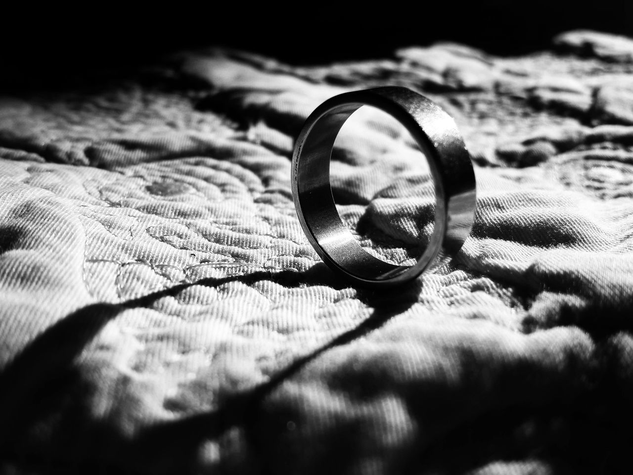 ' Mom gave this a ring to me before she died. It may seem worthless, but for me it's very valuable ' Story From Photo Monochrome Light And Shadows Black And White