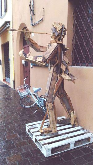 Arte Di Strada Recupero Legname Scultura Riciclo Legno EyeEm Selects Architecture No People Day Building Exterior Outdoors Close-up