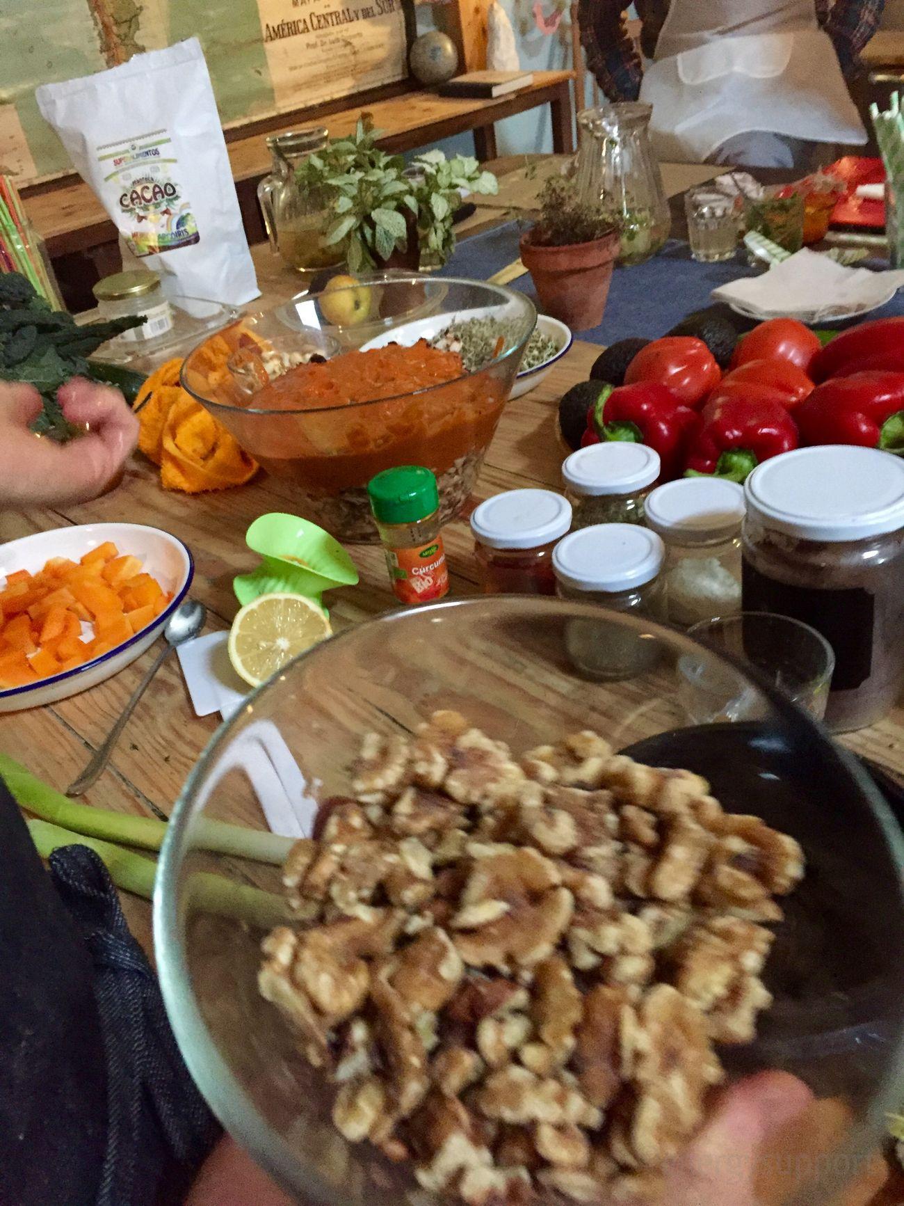 MOLTVEG OrganicArtFood VackaBarcelona Happycow Vegan Vegetables Showcooking Cooking EnergySupportBcn Poblenou Brunch #MOLTVEG @vackabarcelona @MariaMolinaCivi #VackaBarcelona #OrganicArtFood #Happycow #TALLERandBRUNCH #Showcooking #PobleNou #Bcn Presentado por María & Max/Luz como nos debemos alimentar 📓 #saludableTALLER & BRUNCH Sábado 12 de diciembre 2015 #RAW #VEGAN #ORGANIC #GLUTENFREE 100% vegetal, sin gluten, sin lácteos, sin azúcar, sin alimentos procesados y todos los ingredientes ecológicos. Conceptos básicos de la alimentación viva primeros pasos para comenzar reemplazando de nuestra dieta los alimentos dañinos por alcalinos y regenerativos. Mira las fotos en: https://www.swarmapp.com/c/kS9q2XB1dj9 El espacio del #cooking es una maravilla, todos hemos salido encantados y repetiremos #vegano MOLT VEG C/ Ciutat de Granada, 32 (Ramón Turro) 08005 Poblenou - Bcn📞+34 652614455 - +34 652446414info@moltveg.comwww.moltveg.com Apúntate al próximo, te encantará 😉 #diciembre2015 #prescriptores#Post @energysupport 📷 Photo Credit: #energysupportbcn #Barcelona #Catalonia #Spain #Europe #gracias #gracies #thankyou