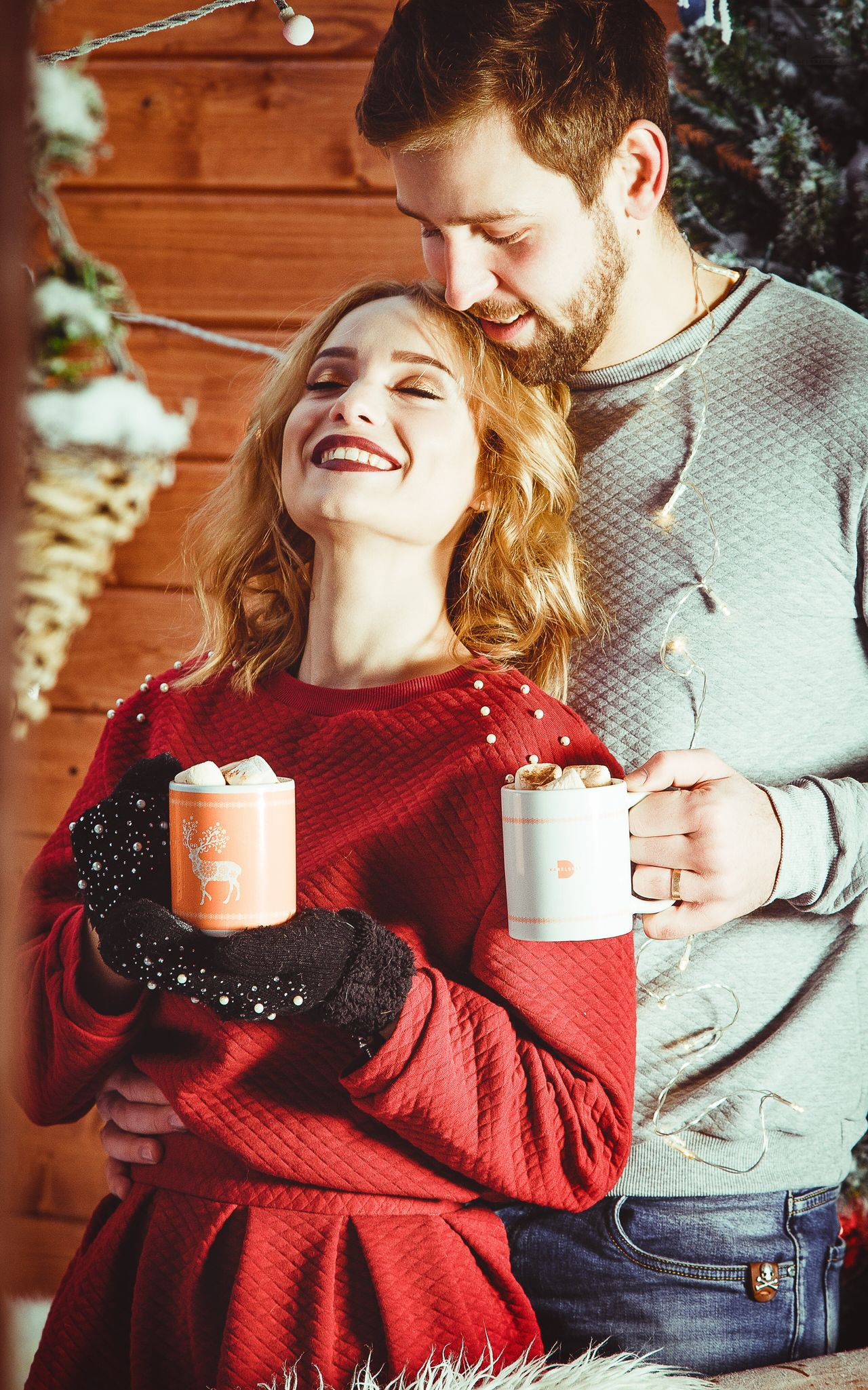 Coffee - Drink Coffee Cup Two People Winter Drink Cup Love Young Adult Christmas Happiness Tea - Hot Drink Smiling Young Women Relaxation Women Cheerful Drinking Enjoyment Adults Only Friendship