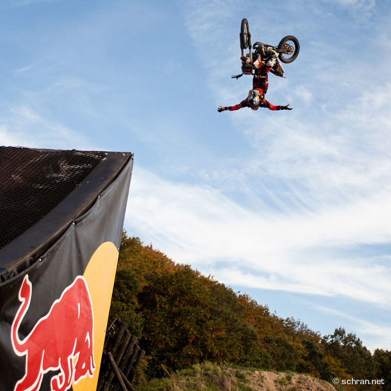 @matrebeaud is back on the bike and riding more and more #fmx #show s. Follow him to find out where you can see #nohand #whipflip ´s like that. This one is from his compound in #payerne #switzerland, but i´m sure he will bust them out for you, if you visit one of the shows he is riding. #motosoul #thatstheway FMX Ktm Mat Rebeaud No Hands Red Scott Sports Switzerland Whipflip Xfighters