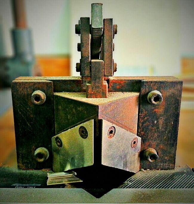 Pollo mecánico...|Mechanical chicken... Serie: ...RutinA... Eye4photography  Detailsseries Working ...RutinA... Abstract Almacen Details Workhouse Imaginacion HDR Machine Texture Warehouse Rusty Oxido  Imagination Taller Texturas