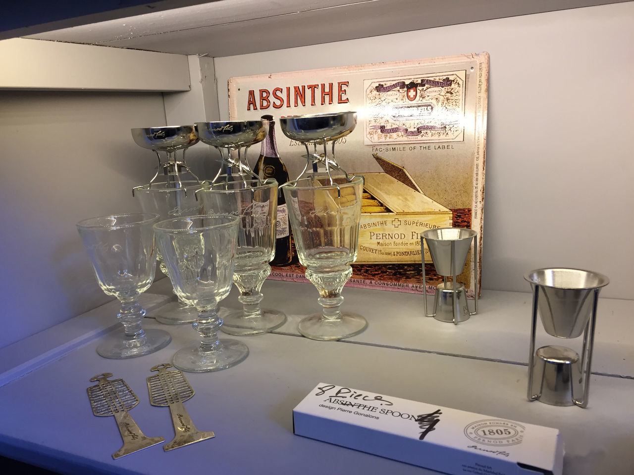 Absinthe Byyrh Day Indoors  Laboratoire No People Preparation  Text Thuir, France Verres