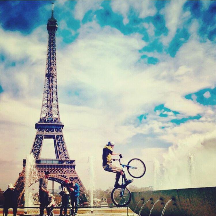 My Dream.. Walking Around Enjoying The Sun Paris ❤