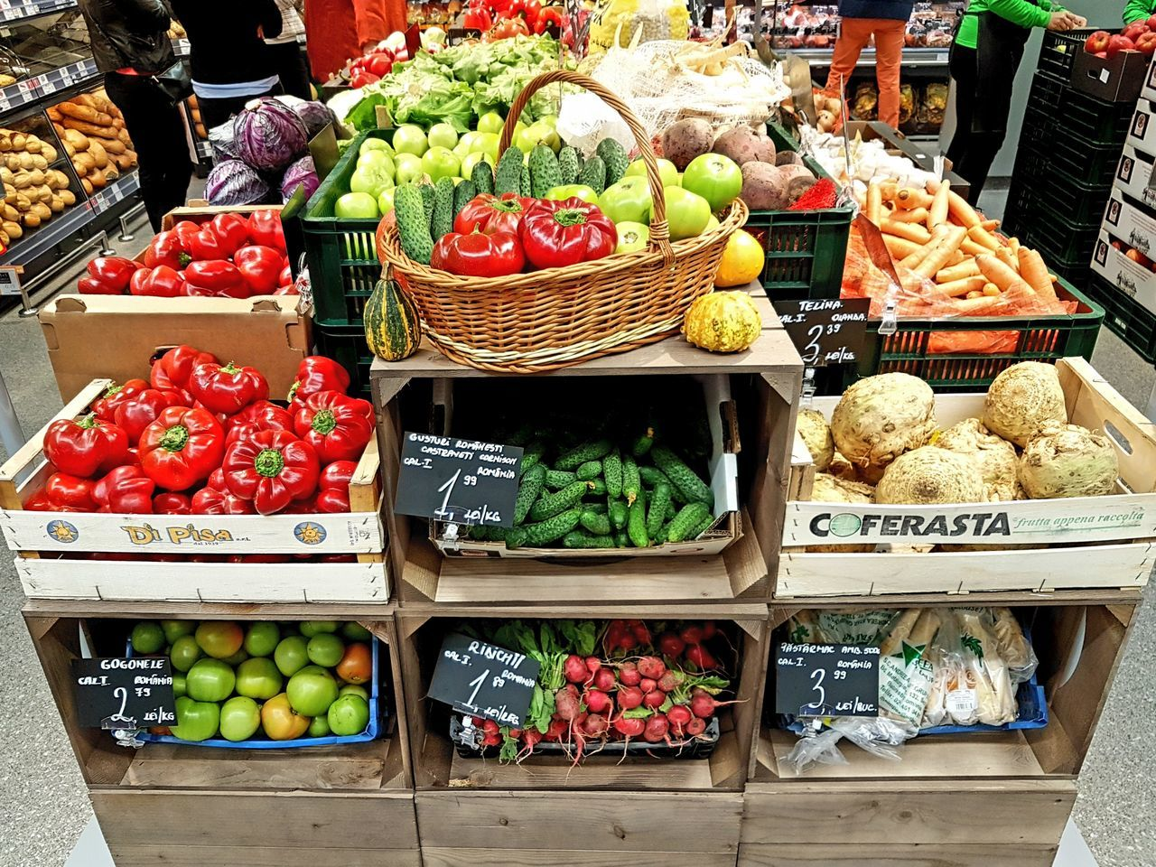Freshness Food Large Group Of Objects Choice Variation Food And Drink Market For Sale Retail  Abundance Vegetable Healthy Eating Arrangement Market Stall Fruit High Angle View Farmer Market Small Business Price Tag Red Bell Pepper