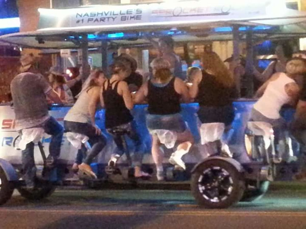 Check This Out NASHVILLE,TENNESSEE Downtown Pedalbar Beer Taking Photos Partybike
