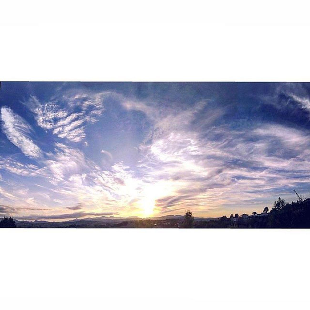 ☀ Sunset Sun Sunlight Landscape Orizzonte Cielo Sky Skylovers SkyClouds Clouds Cloudslovers Cloudscape Natura Nature Naturelovers Marcheforyou Marche Italy Italia Liveloveitalia Igersmarche Igersitalia Tramonto