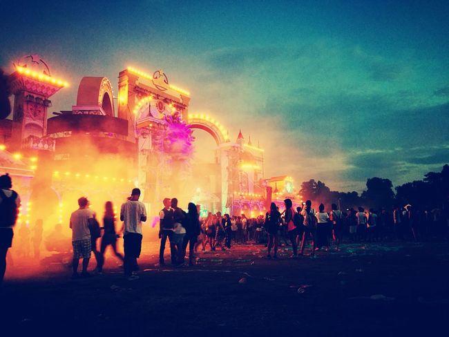 WishOutdoor Edm Music Mainstage Dimitrivegas&likemike Zedd Steveaoki Ummetözcan Large Group Of People Illuminated Fun