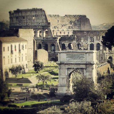 Roma Capitale Lupacapitolina Auguri citta' eterna 753 21aprile impero storia leggenda colosseo vanto