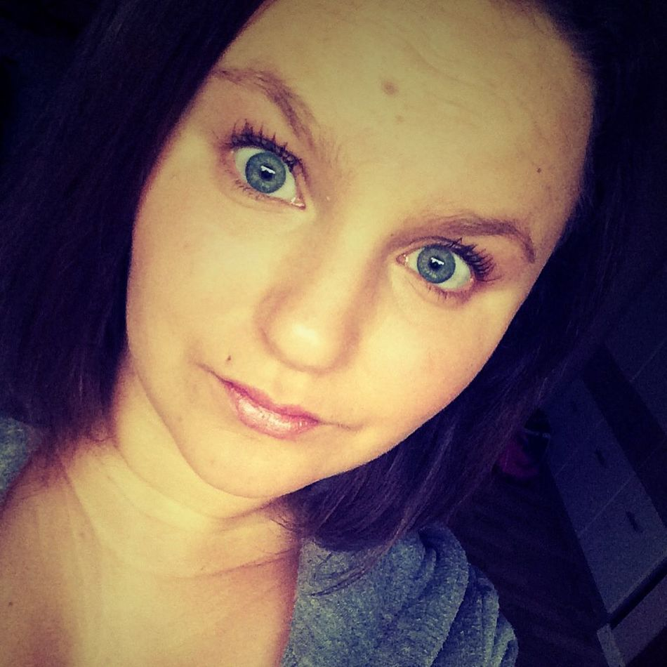 Monday 😴 That's Me Selfie ✌ Blue Eyes People First Eyeem Photo Enjoying Life Cheese! School Hallo☺☺