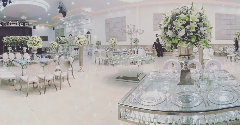Wedding Dress Close-up Focus On Foreground Indoors  Table Chair Flower Restaurant Arrangement Place Setting Luxury Elégance Architecture Vase No People Bouquet Built Structure Home Showcase Interior Luxury Hotel Seat Day Freshness