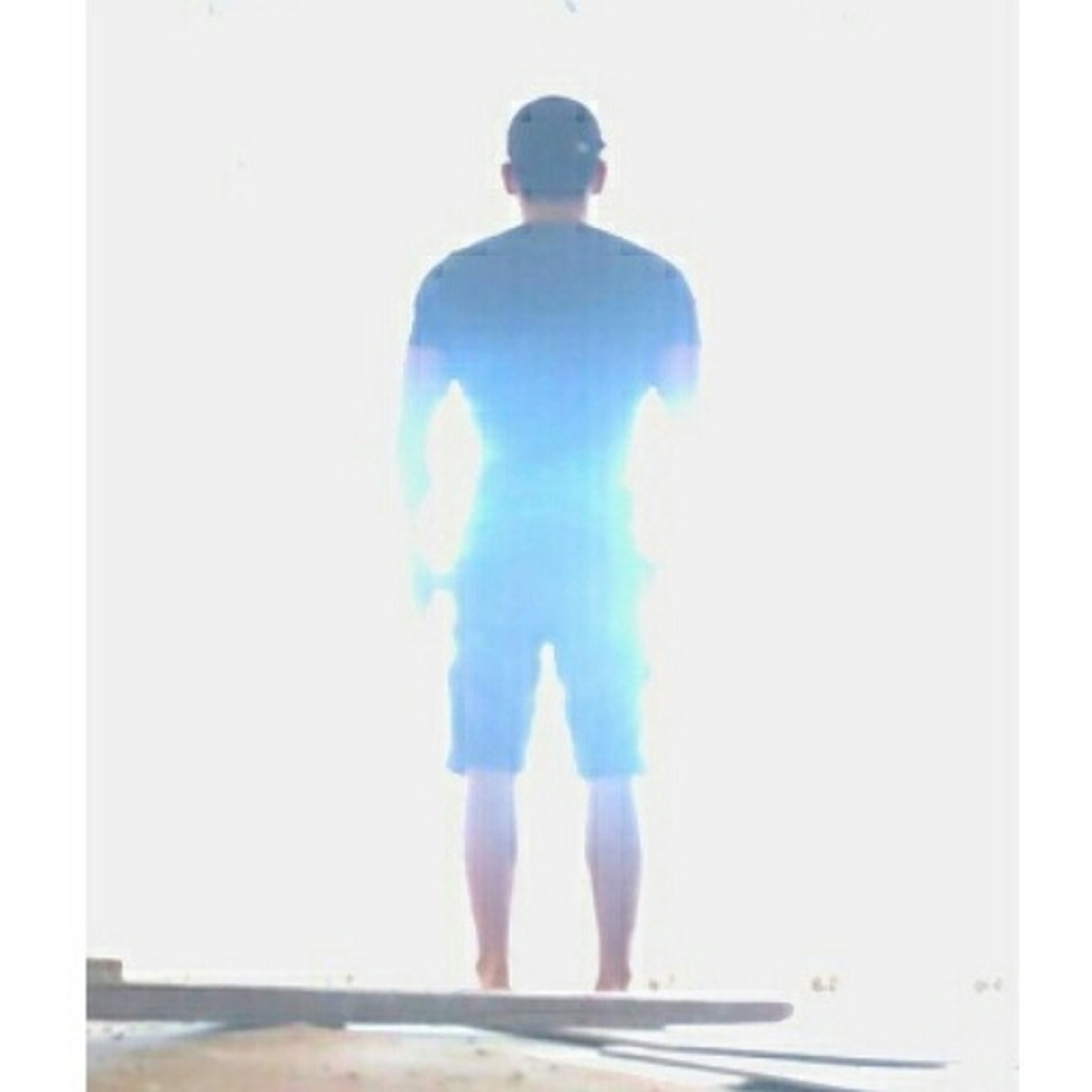 standing, transfer print, lifestyles, full length, auto post production filter, rear view, leisure activity, men, sea, person, casual clothing, sky, horizon over water, copy space, walking, three quarter length, day, water