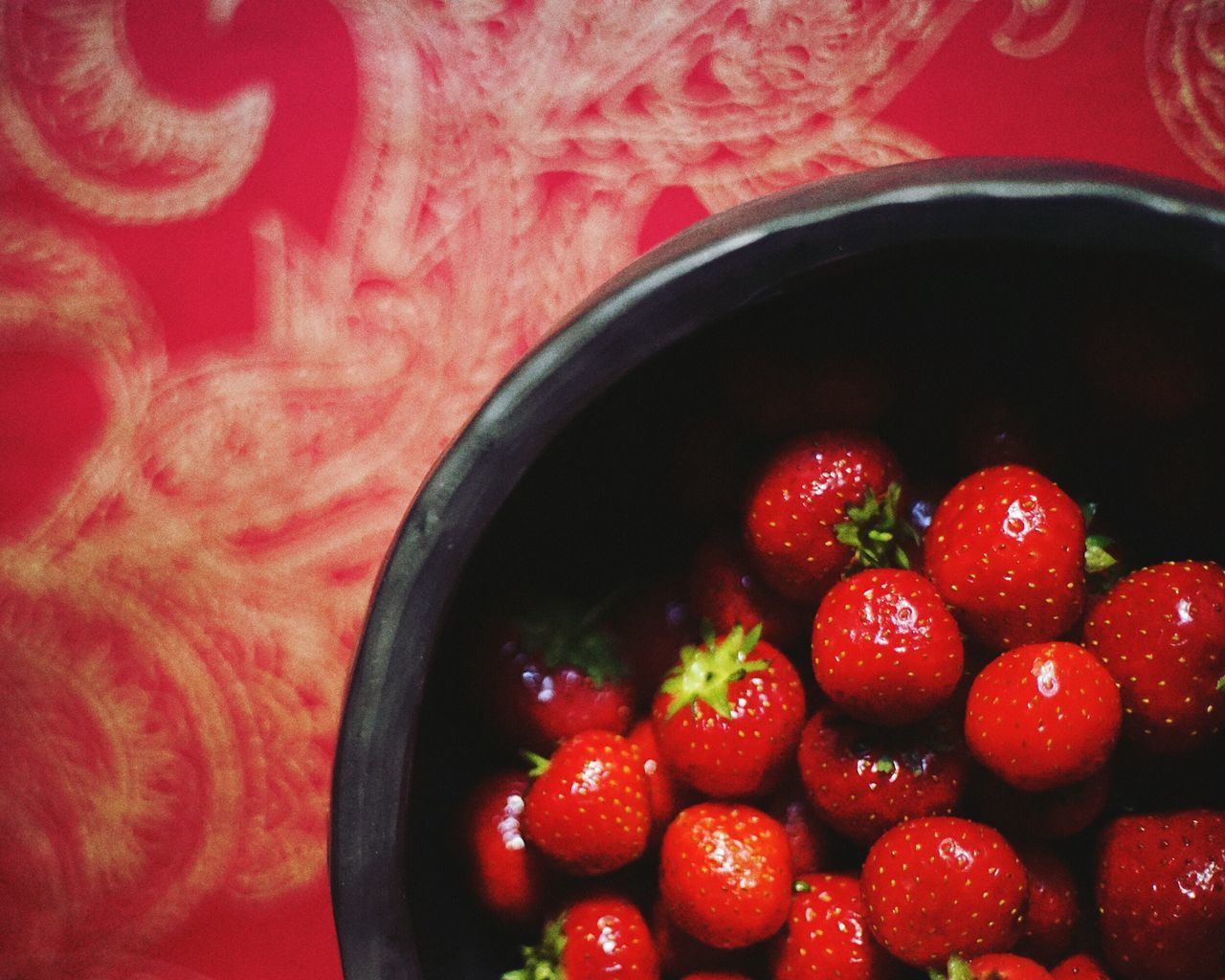 Red Fruit Strawberry Food Healthy Eating Freshness Indoors  Sweet Food Zuiko Colors ILCE7M2 Sony Alpha 7 SONY A7ii Red Zuiko 50 1.8 Natural Colors