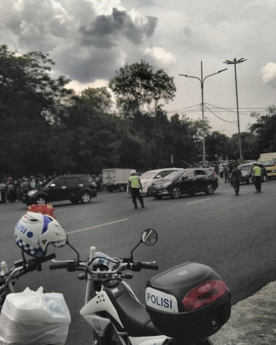 Halim PK,Jakarta,Indonesia Traffic before king salman bin abdulaziz move to Bogor,Indonesia . KingSalman Jakarta Halim Perdanakusuma Airport Traffic Crowded First Eyeem Photo