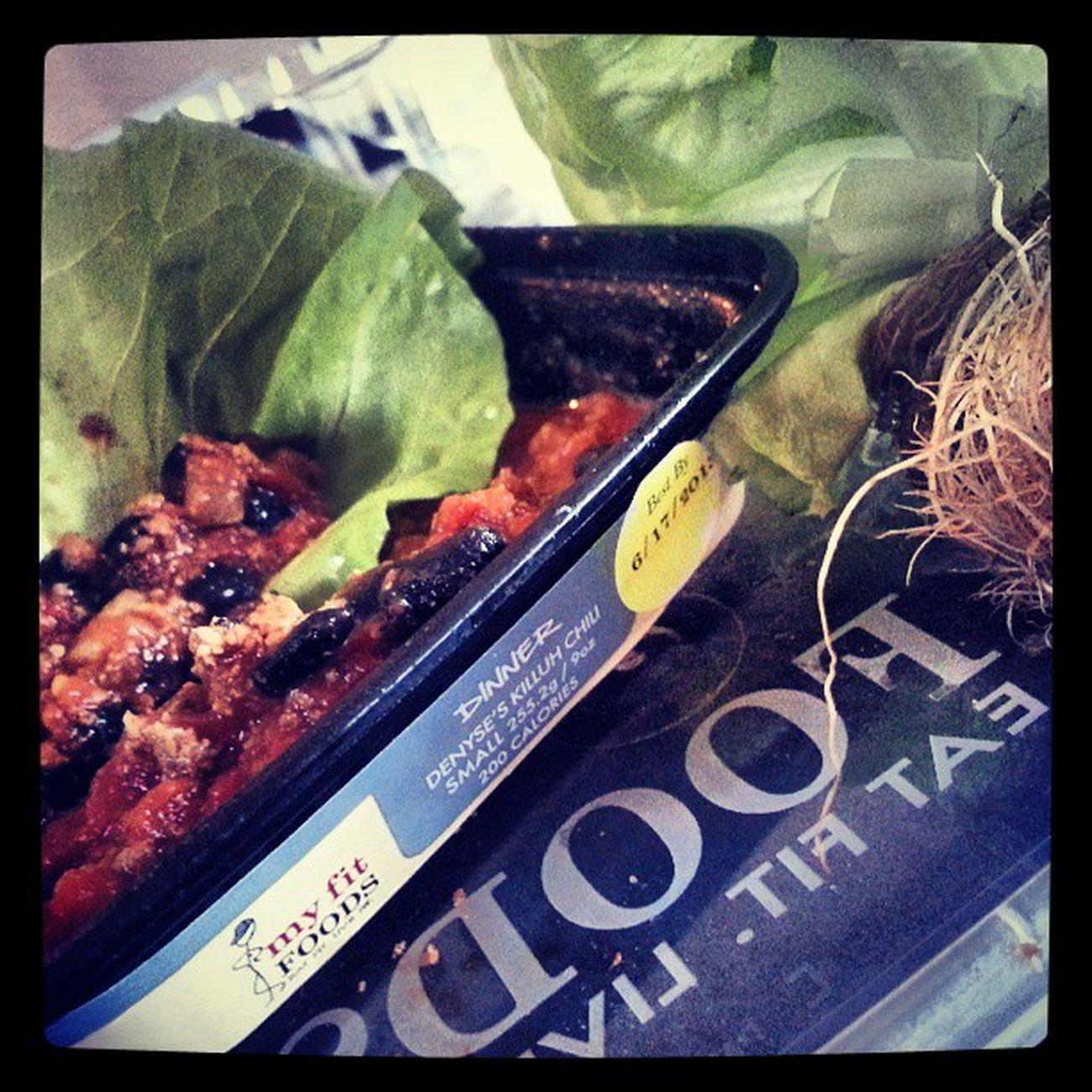 Dinner Myfitfoods Killuh Chili Tacos rapped in Bibb lettuce Superyum denyseskilluhchilli greens healthyeating healthyliving foodporn myfitfoods