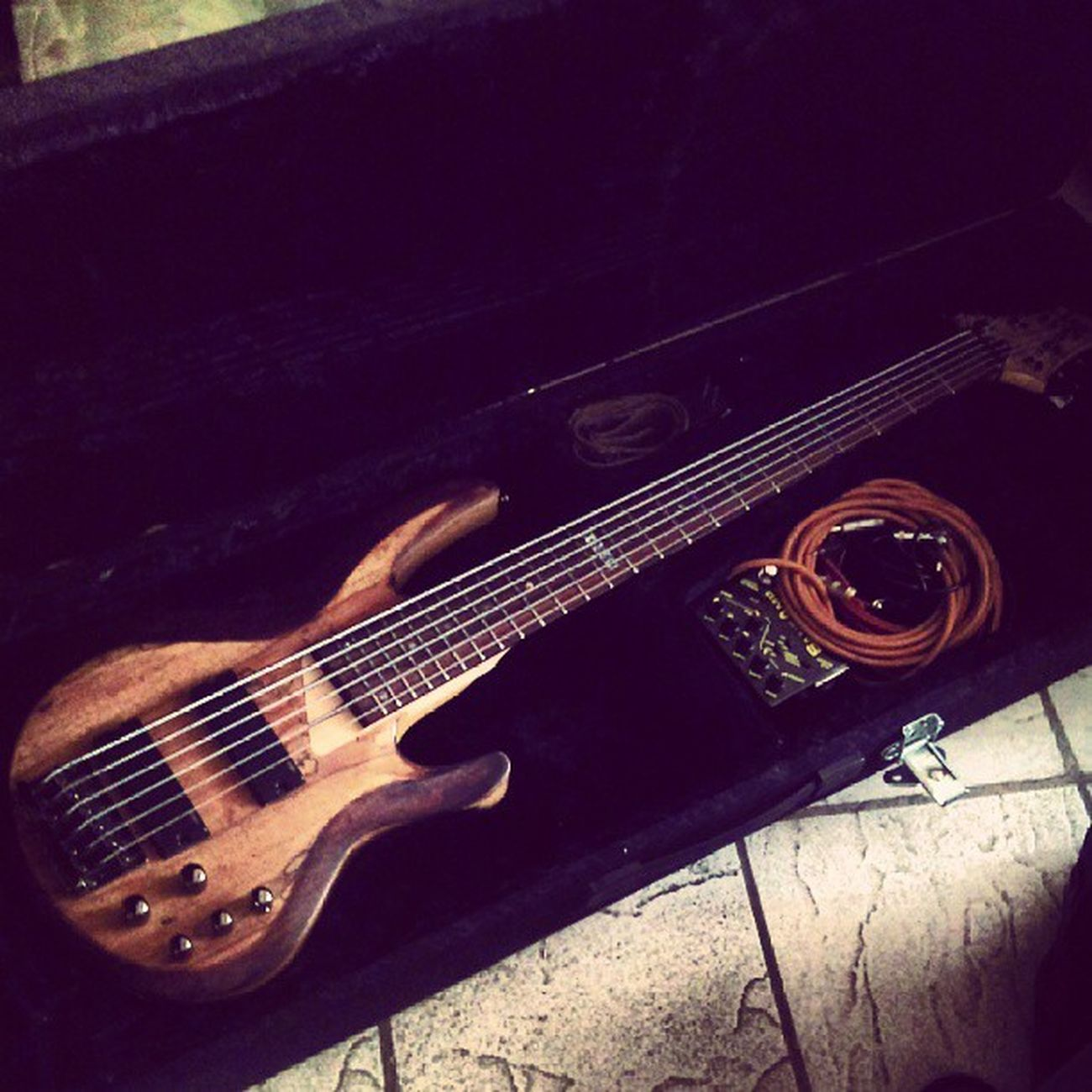 My custom 6 string ltd B-206 =) , /m/ LTD Sansamp 6string Metalbassist
