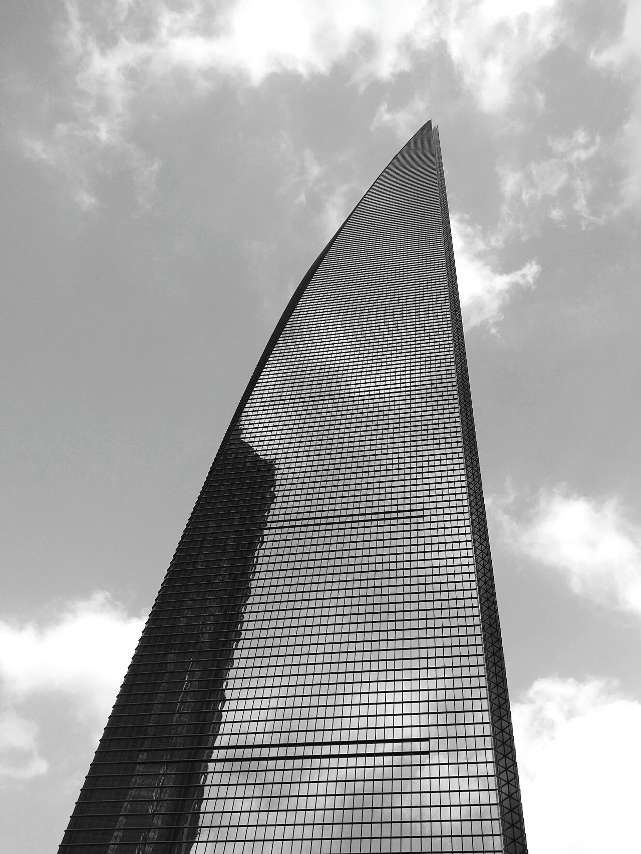 Cloud - Sky Sky Low Angle View No People Architecture Outdoors Skyscraper Day Financialcentre Shanghailife Tallest Building EyeEm Gallery Focus Urban Photography Reflection Reflection In The Window Black And White Photography Upwards Shot Pattern Lowangleview Eyeemphoto EyeEm In China EyeEm Best Shots Clouds Collection