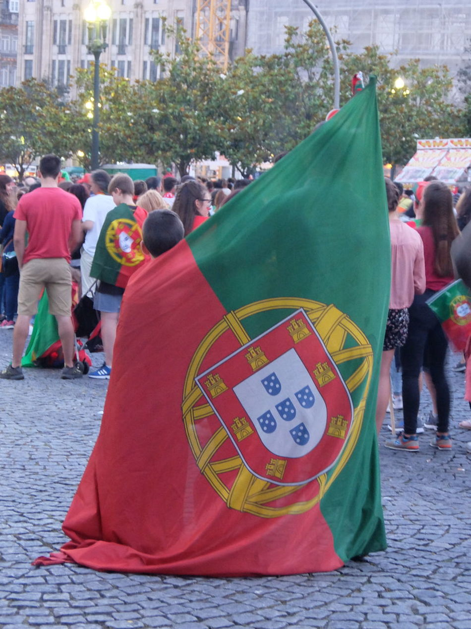 Euro 2016 Family Flag Green & Red Porto Portugal Streetphotography_fujifilm 43 Golden Moments People Together