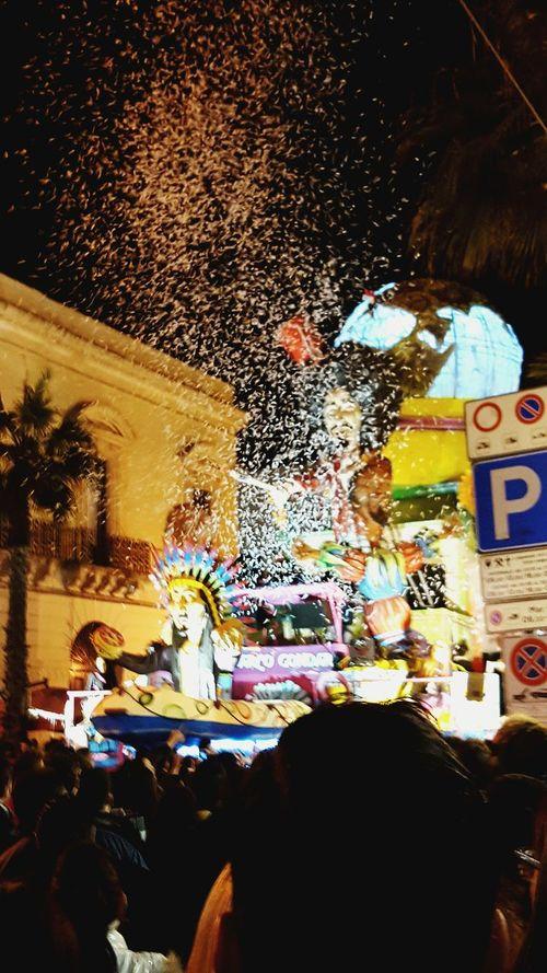 Colors Of Carnival Carnevale Carro Inverno Coriandoli Gallipoli Sfilata Caparezza Colors Colori Pioggia Jenuary Party Festa Divertimento Happiness Lecce Salento