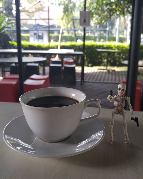 Coffee shot bang bang 💥💥 Coffee Coffeetime Blackcoffee Coffeesesh Figure Toys Skeleton Rement Poseskeleton Val  2016 LG  G4 LGG4 ☕ 😚 ☠