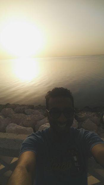 صباح_الخير Good Morning Smile ✌ Smile❤ Selfie ✌ Love ♥ Happy Time Hand Pic Happy Outdoors Day Sky Beatchview Headshot Me Man تصويري  تصويري♡ تصوير
