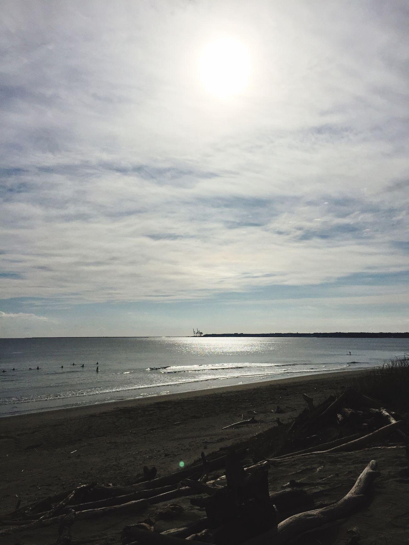 今日の波乗り😃 太陽の明かりが海に光ってメッチャ綺麗だった😃✨ かなりの小波だったけど夜景に続き光を堪能✨ 昼も夜も癒し😊✨✨✨