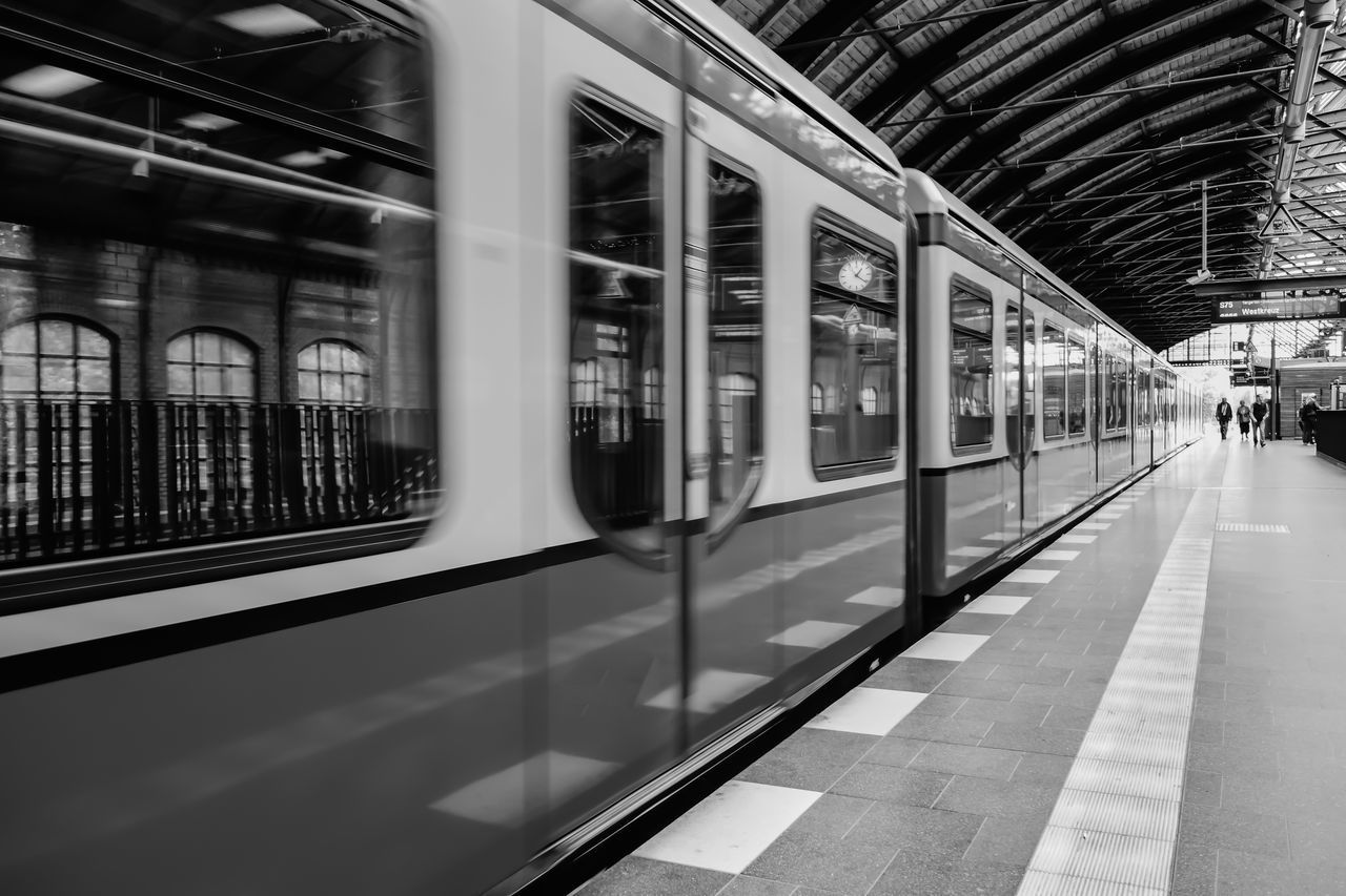 Beautiful stock photos of train, Berlin, Ceiling, Cropped, Germany