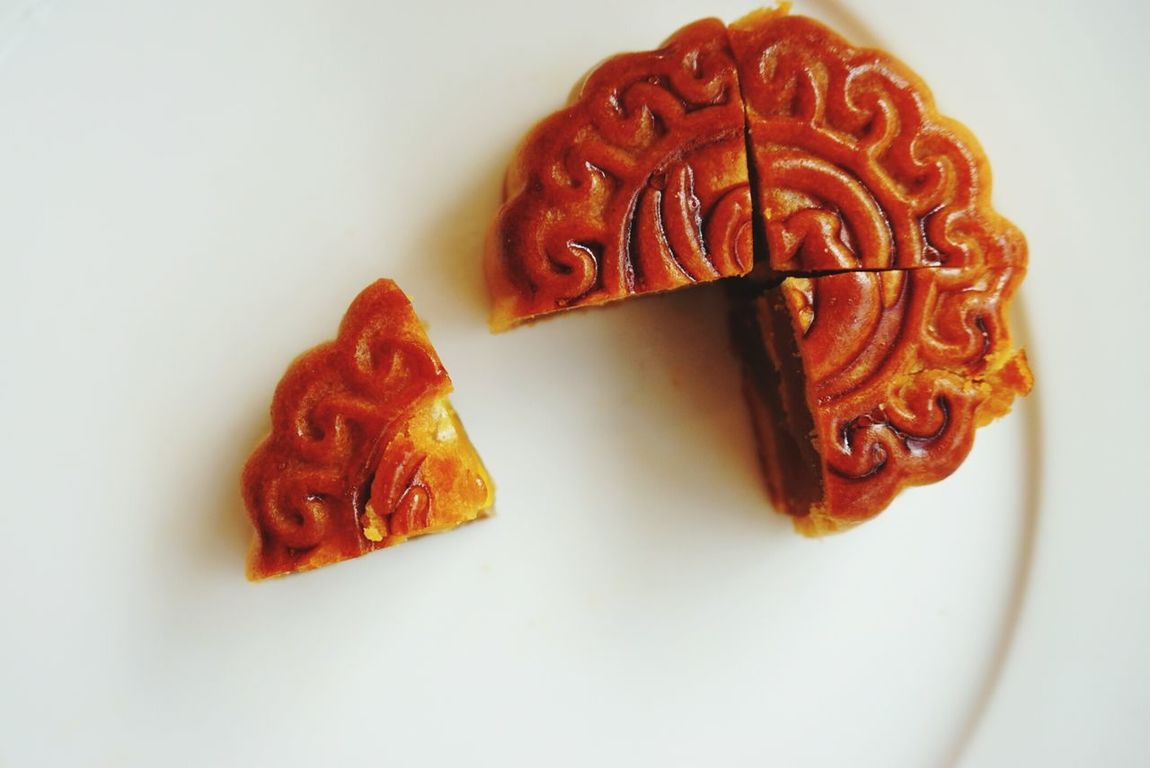 mooncake Food Sweet Food Food And Drink Baked Ready-to-eat Dried Fruit Dessert Freshness White Background Toasted Bread Indoors  Close-up No People Sweet Pie Day Eat Eat And Eat Mooncake Festival MooncakeFestival Serving Size Dessert Sweet Pie Temptation Mooncake Plate Tart - Dessert