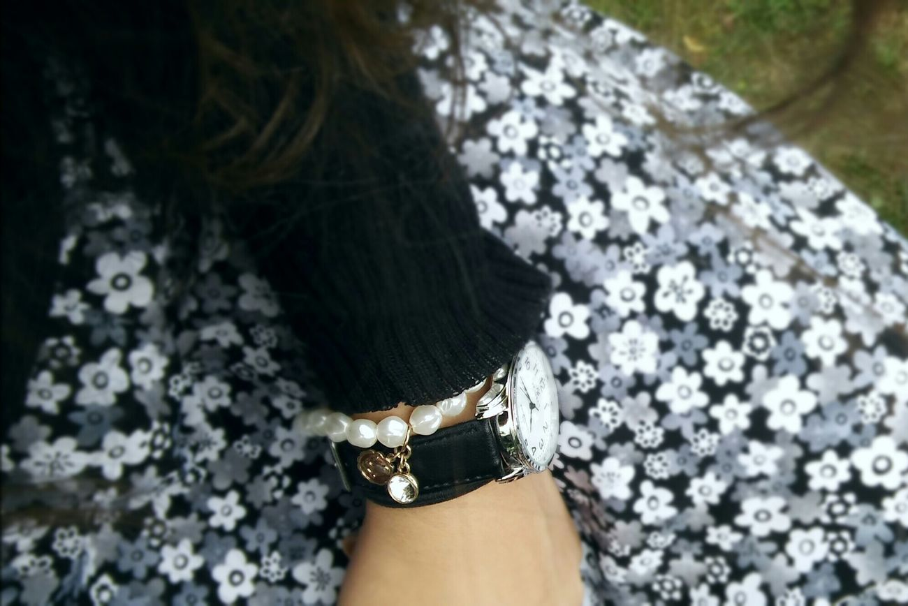 Hello World Flawer🌸 Skirt Flower Skirt Leather Black Leather Silver  Gold Watch Hand Minimalism Star Sign Cristal Pearls White Pearls