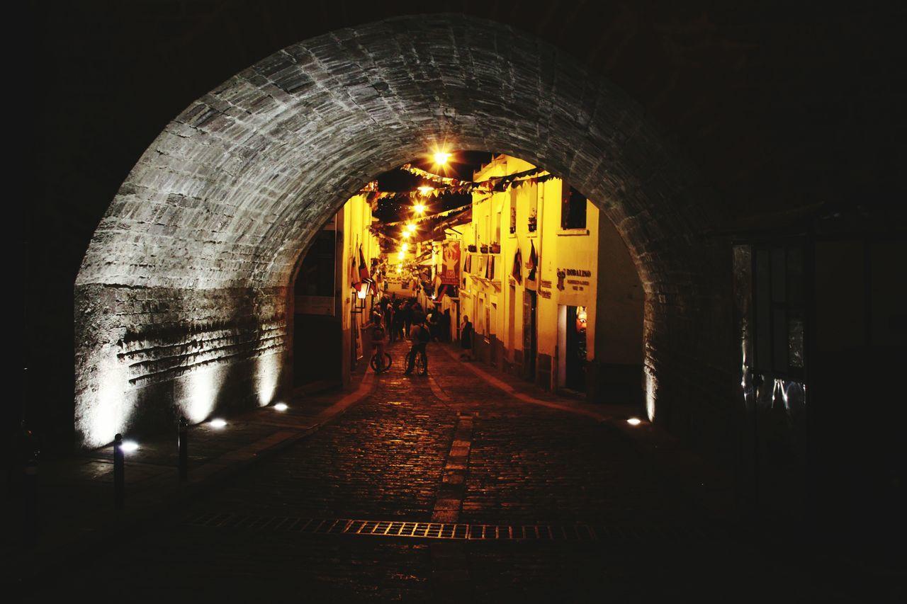 City Nightphotography Streetphotography Bastil Quito Ecuador