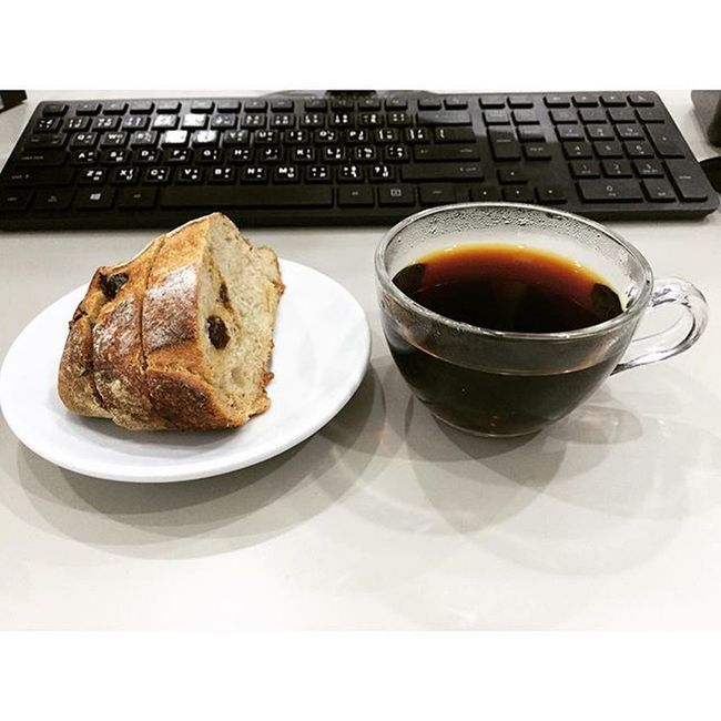 Breakfast Raisinbread Blackcoffeenosugaradded