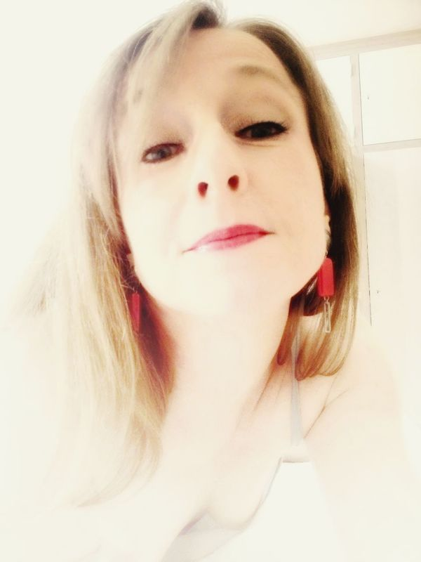 Hi My Followers ! Love You All Selfietime Happy WeekEnd Friend :-) Soft Pink Lips Relaxing Time French Lifestyle