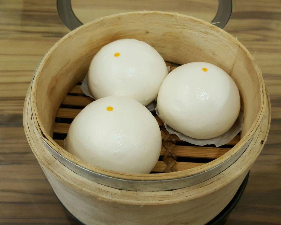 奶皇流沙包 Weekend EyeEm Best Shots Hongkongfood Donghu,Taipei Eating Lunch Time! DELICIOUS FOOD ♡ EyeEm Happy Relaxing