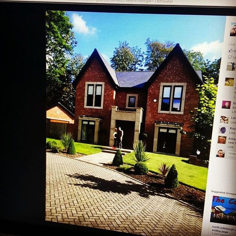 This is one of the reasons why I love and work so hard on my business not only do I help bring health and happiness to people's lives but we get rewarded with beautiful things. Congratulation Emma Sneddon and her husband Mike Sneddon on buying that beautiful home. Iwantone Juiceplus TheHealthMentor Good Luck in your new home 🏡🏡 Focus on people's health and happiness including your own and everything else will follow. www.TheHealthMentor.co.uk - www.facebook.com/TerenceTheHealthMentor - www.instagram.com/the_health_mentor