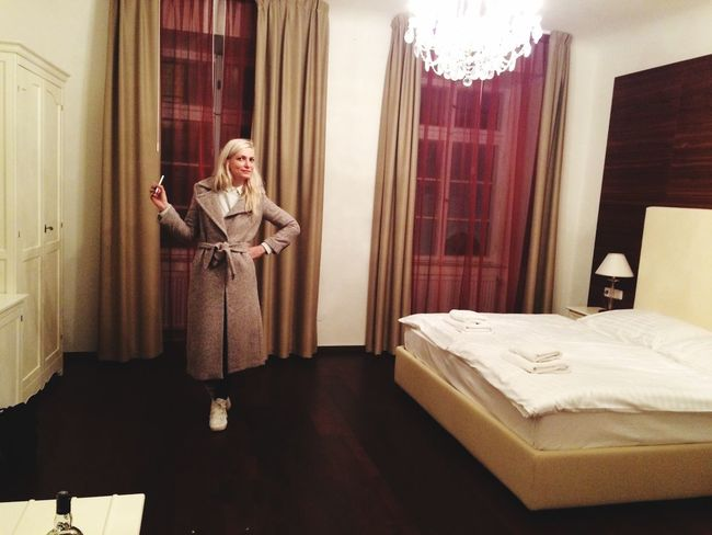 Booking A Room Checking In Taking Photos Great Atmosphere Girl Bedroom Nice Atmosphere