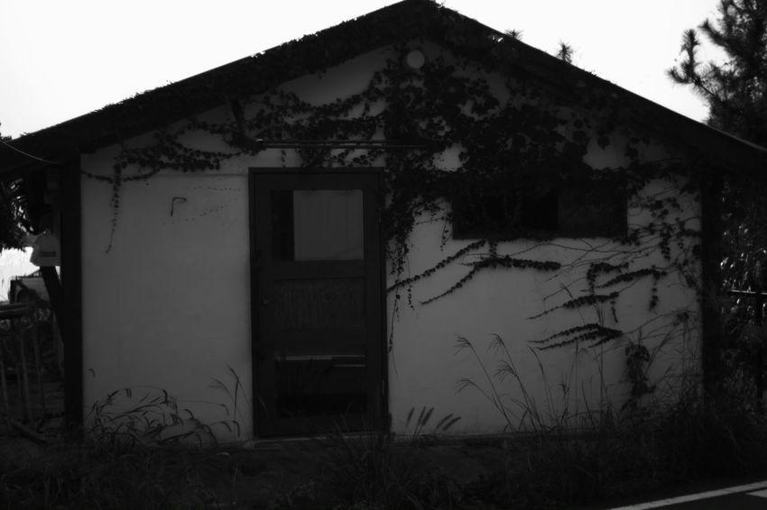 Never open EyeEm Best Shots - Black + White Voightlander Nokton Classic 40mm/F1.4 SC Voigtlnder Fujifilm X-Pro1 B & W Photography My Photography Black And White Monochrome X-Pro1 Black And White Photography Black & White Japanese Building Abandoned Abandon House B & W  Japan