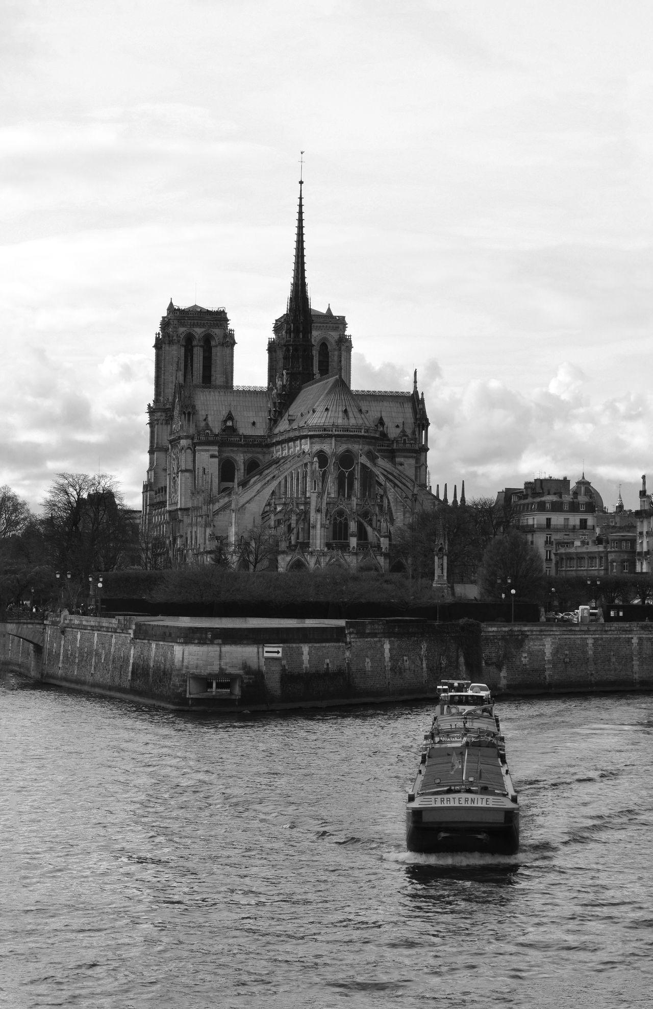 Notre belle Dame ! Architecture Building Exterior Built Structure City Cloud - Sky Notre Dame De Paris Notre-Dame Paris River Sky Transportation Travel Tree Water