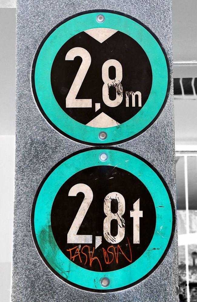 The OO Mission Verkehrsschild Verkehrszeichen Schilder Doubel Berlin Round And Round Sign Verboten Streetsign Roadsign Roadsigns