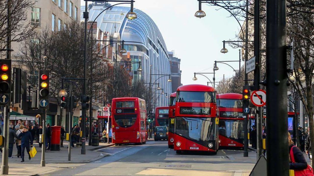 City Red City Street City Life Outdoors No People Tree Architecture Day Londonlife LONDON❤ London Streets Oxfordstreet Londonbus