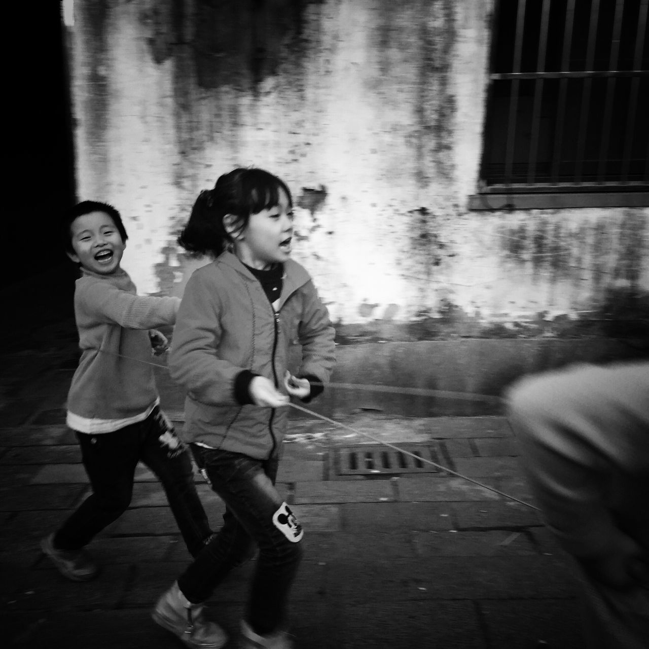 Child Childhood Children Only Friendship Playing Girls EyeEm Gallery Still Life EyeEm Taiwan Taking Photos My Black & White Photography Street Photography Street Photo Blackandwhite Bnw Enjoy The New Normal Happy Eye4photography  Togetherness