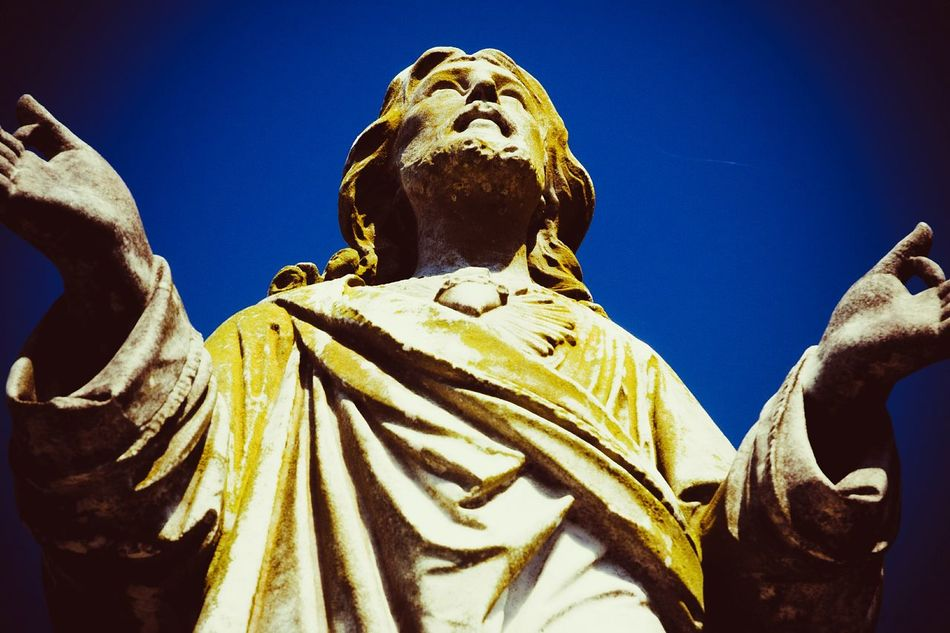 Religious Art Jesus Nikon D5100  Low Angle View Clear Sky Sculpture Statue Day Cemetery Photography Tombstone Graveyard Beauty Peaceful