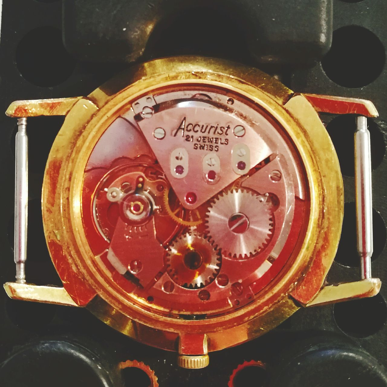 Accurist 1960 21 Jewel Wrist Watch Watch Accurist 21 Jewel 1960 21jewels 1960s Design No People Time Close-up Clock Timer Clock Face Open Back Of Watch Beautiful Movement Gentlemen Fresh On Eyeem  Kingston Upon Hull Machanical Wind Up Movement Lieblingsteil Art Is Everywhere Break The Mold